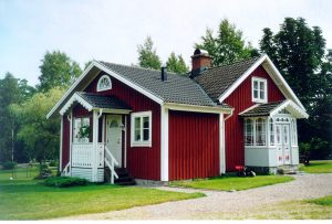 lakeside red cottages sweden