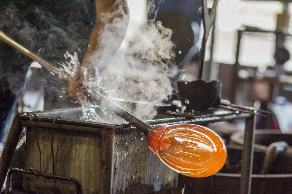 Glass art blowing kosta maleras orrefors shot
